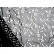 Chal bordado negro-blanco. Modelo 71